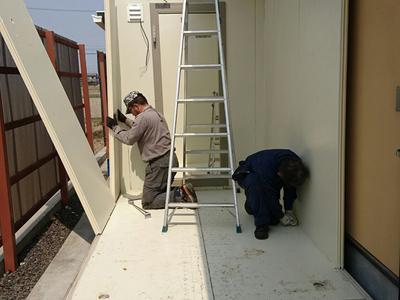 プレハブ冷蔵庫の移設作業のサムネイル